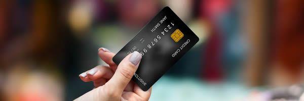 国際カードとデビットカード