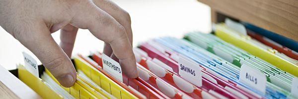 対面での本人確認の厳格化:本人確認書類の3類型
