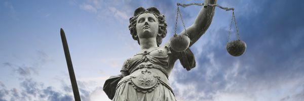 法務サービスの「再定義」が必要