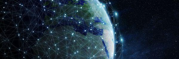 通貨の共通の特徴② 分散型の取引記録および匿名性