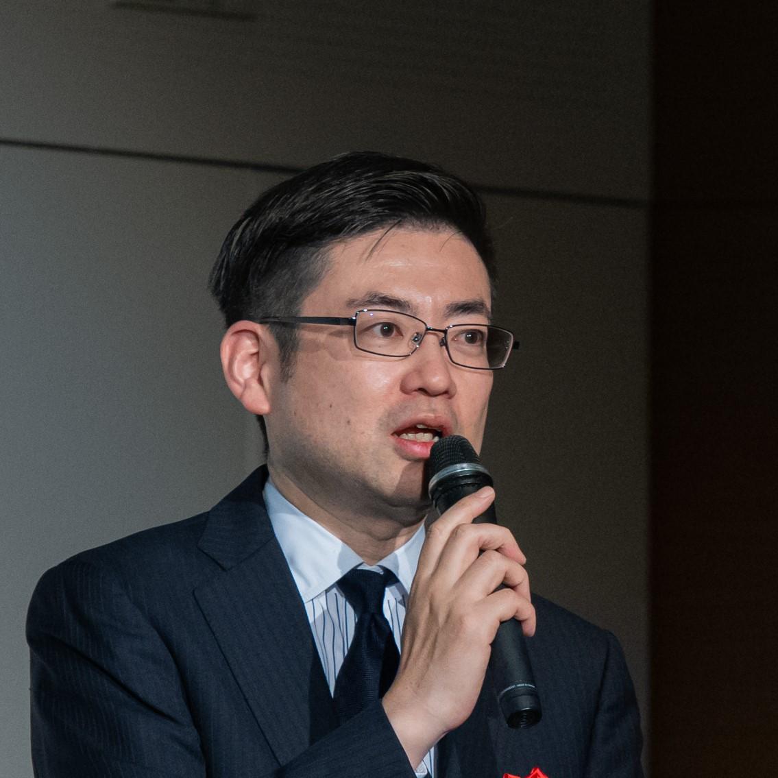 岡 俊太郎 氏