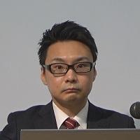 三田 泰正 氏
