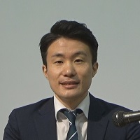 横山 豊 氏