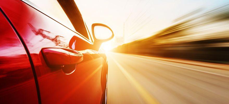 自動運転車の事故は誰が責任を負う?自動運転と保険の未来