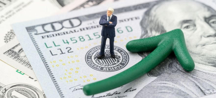 地銀は中核ビジネスの貸出収益の向上を