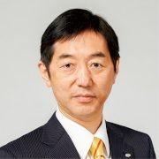 岡 宏 氏