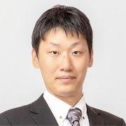 山本 翔 氏